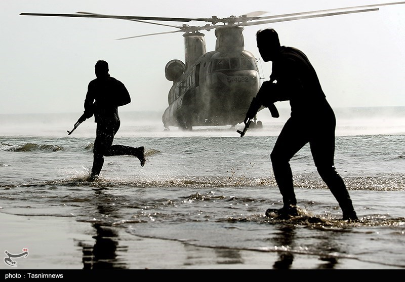 Iranian Army Troops Practice Combination Attack in Amphibious Drill