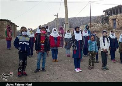 دانشآموزان بیدرس در روستاهای کوهدشت؛ اینجا آرزوهای تحصیل تکلیف ندارد+ تصاویر
