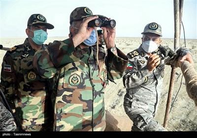 امیر سرلشکر سید عبدالرحیم موسوی، فرمانده کل ارتش و سرتیپ کیومرث حیدری فرمانده نیروی زمینی ارتش