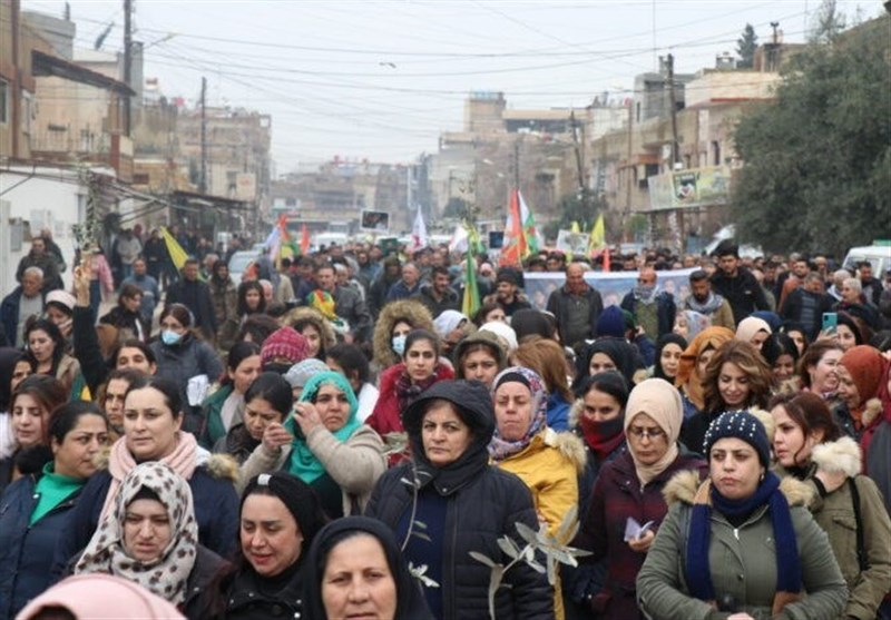 Displaced Syrians Demonstrate against Turkish Military Presence in Afrin (+Video)