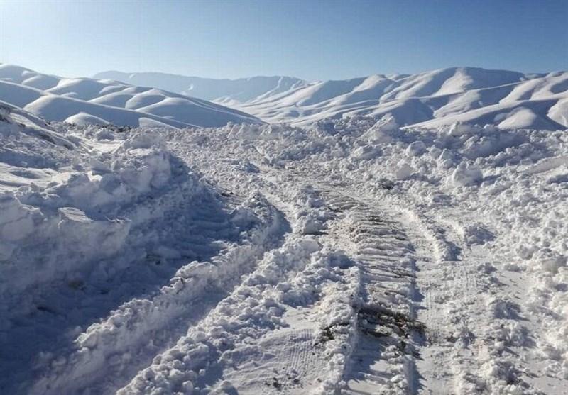 بارش شدید برف و باران در مازندران / برخی محورهای روستایی مسدود شد