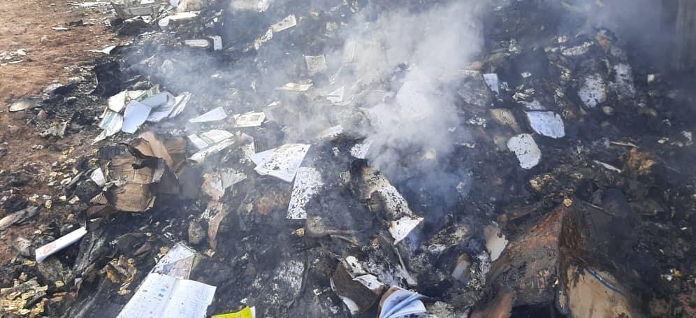 یک کامیون کتاب به ارزش تقریبی ۲ میلیارد تومان در گمرک اسلام قلعه در مرز افغانستان و ایران به کام آتش رفت. این کتابها از ایران به افغانستان حمل شده بود.