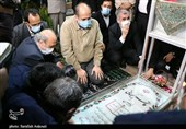 نائب رئیس مجلس شورای اسلامی به مقام شامخ شهید سلیمانی ادای احترام کرد + تصاویر
