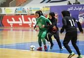 هیئت فوتبال اصفهان بهدنبال حامی مالی برای تیم باشد