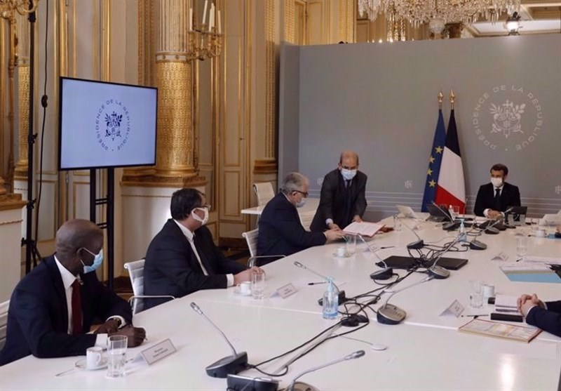 French Muslim Groups Censure Macron-Pushed 'Republican Charter'