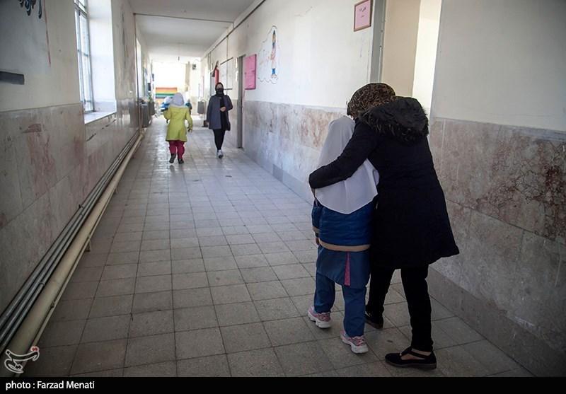 آموزش و پرورش بخشنامهای برای محدودیت مادران صادر نکرده است/ مدعیان مدارک خود را ارائه دهند