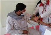200 نفر از روستاییان جنوب بلوچستان توسط کاروان سلامت هلال احمر ویزیت رایگان شدند
