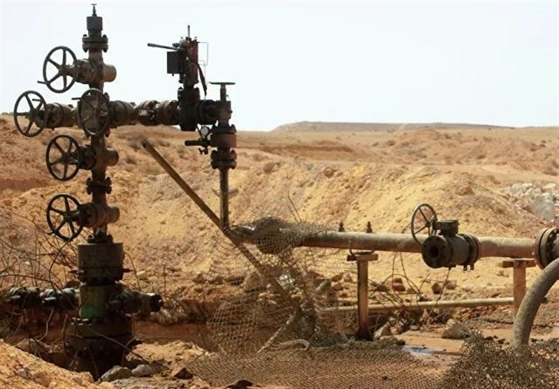 US Looting Syrian Oil to Send It to Israel: Ex-US Diplomat
