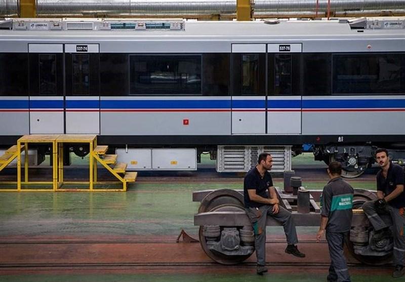 قطار واگن سازی در ایستگاه تعطیلی