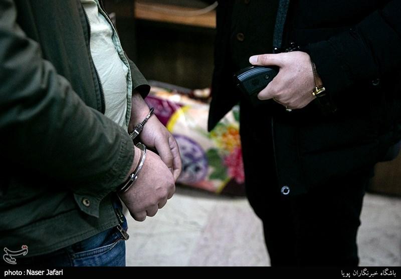 سرقت یک کیلو طلا در حضور صاحبخانه!/ اعتراف سارقان به 100 فقره سرقت