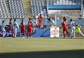 لیگ برتر فوتبال  پیروزی یک نیمهای آلومینیوم مقابل پرسپولیس