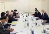 دیدار ظریف با معاون نخستوزیر جمهوری آذربایجان