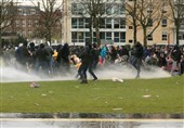 25,000 March through Amsterdam to Protest about Coronavirus Pass
