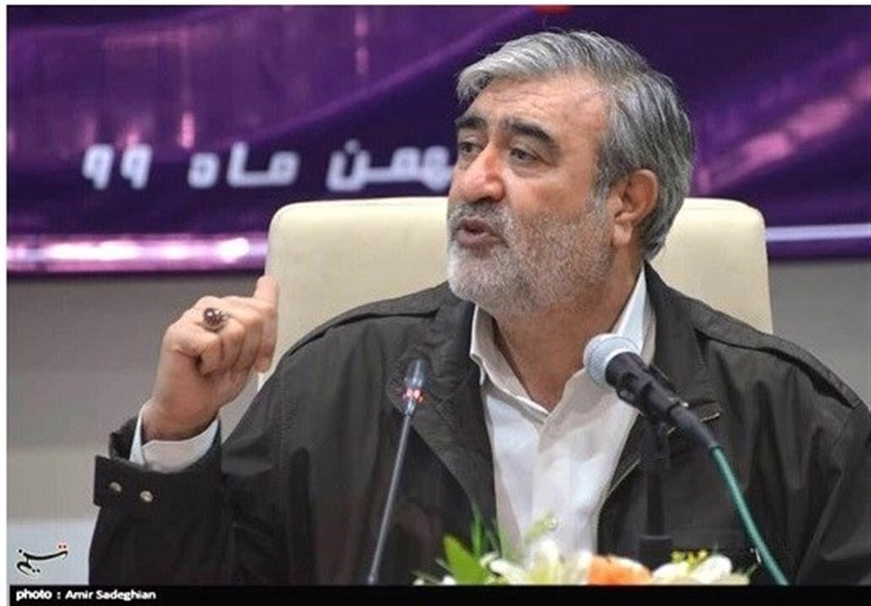 نائب رئیس کمیسیون امنیت ملی: ادعای روحانی در تناقض با گزارش وزارت خارجه است/ گویا منافع ملی از نگاه رئیس جمهور تعریف دیگری دارد