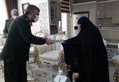 دیدار جانشین سپاه استان زنجان با خانواده شهید صادقی + تصاویر