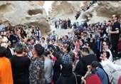 لبخند گردشگران به کرونا در تور گردشگری قشم/ گردهمایی 460 نفری در تنگه چاهکوه بدون ماسک