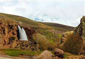 """آبشار """"قینرجه"""" تکاب در فهرست آثار طبیعی ایران به ثبت رسید"""