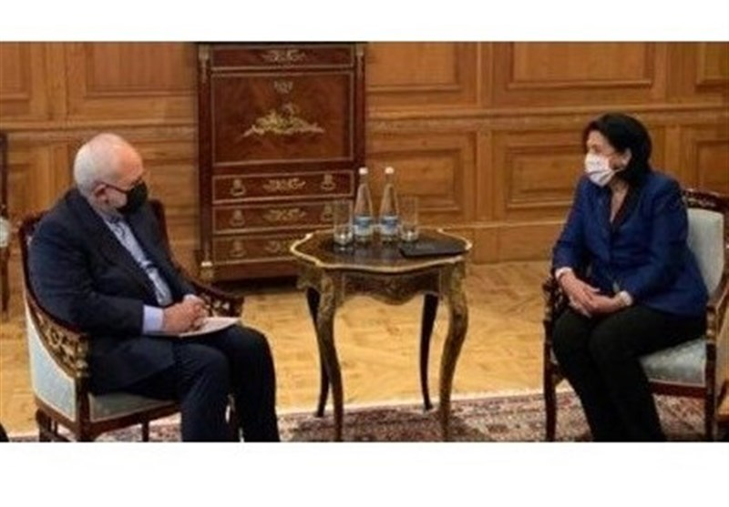 Zarif Asks Georgia to Settle Problems of Iranian Expats, Truckers