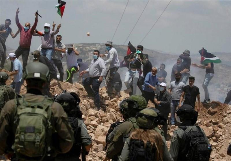إصابة عشرات الفلسطینیین جراء قمع قوات الاحتلال مظاهرتین فی الضفة الغربیة