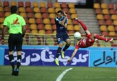 لیگ برتر فوتبال| تساوی فولاد و پیکان در دیداری «بدخط»