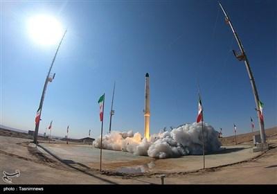 ایران..اطلاق صاروخ ذو الجناح الناقل للقمر الصناعی بنجاح