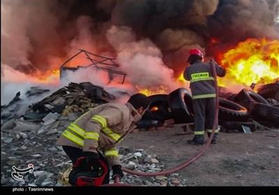 آتشسوزی کارگاه بازیافت پلاستیک در قزوین را خاکستر کرد
