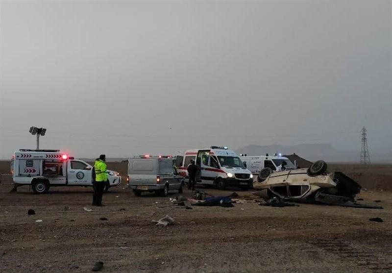 واژگونی خودرو در محور اردستان - بادرود 2 کشته و 12 مصدوم برجای گذاشت