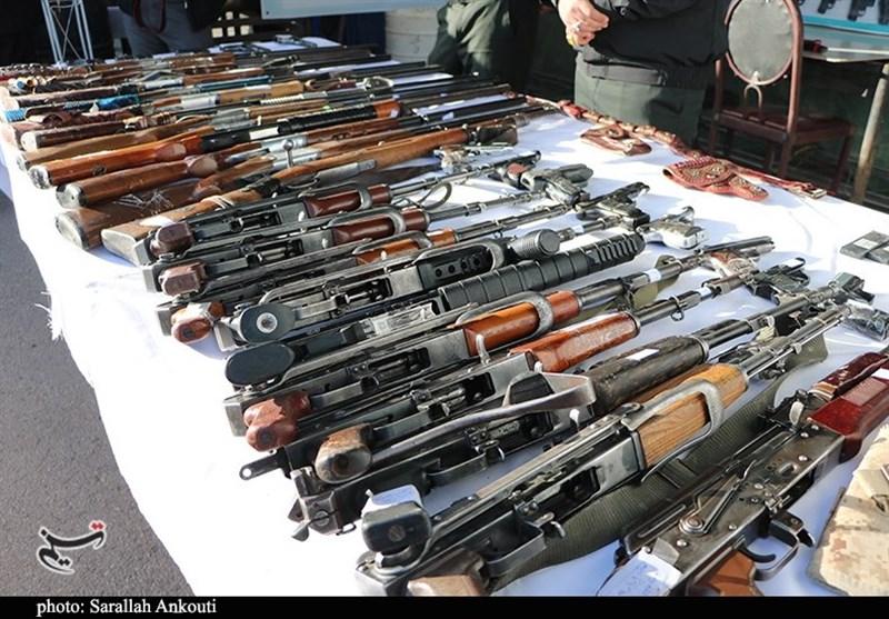 انهدام باند توزیع سلاح غیرمجاز در کرمانشاه؛ 88 قبضه اسلحه کشف شد