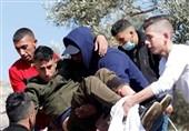 کرانه باختری| حملات گسترده نظامیان صهیونیست به مناطق مختلف و زخمی شدن دهها فلسطینی