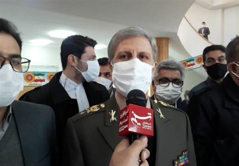 وزیر دفاع در گفتوگو با تسنیم: تمام موشکهای ایران دقیق و قدرت انفجاری بالایی دارند/ عاملان ترور شهید فخریزاده حتماً مجازات خواهند شد + فیلم