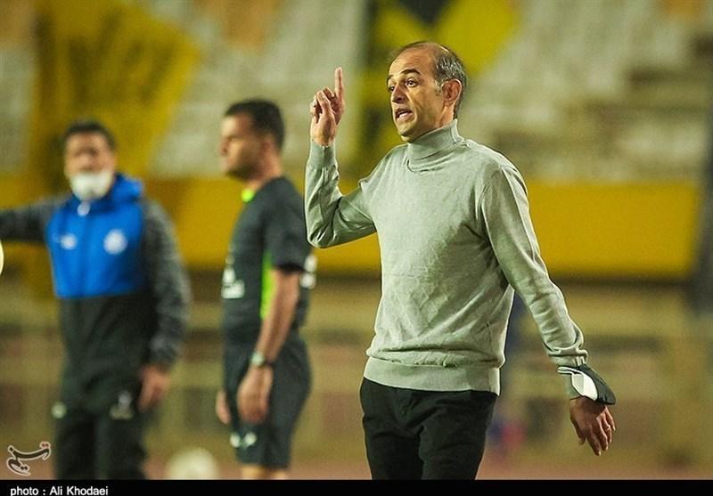 نویدکیا: در ایران با 2 برد همه از شما تعریف میکنند و با 2 باخت بدترین مربی میشوید/ برتری پرگل ما در اراک از اتفاقات نادر فوتبال بود