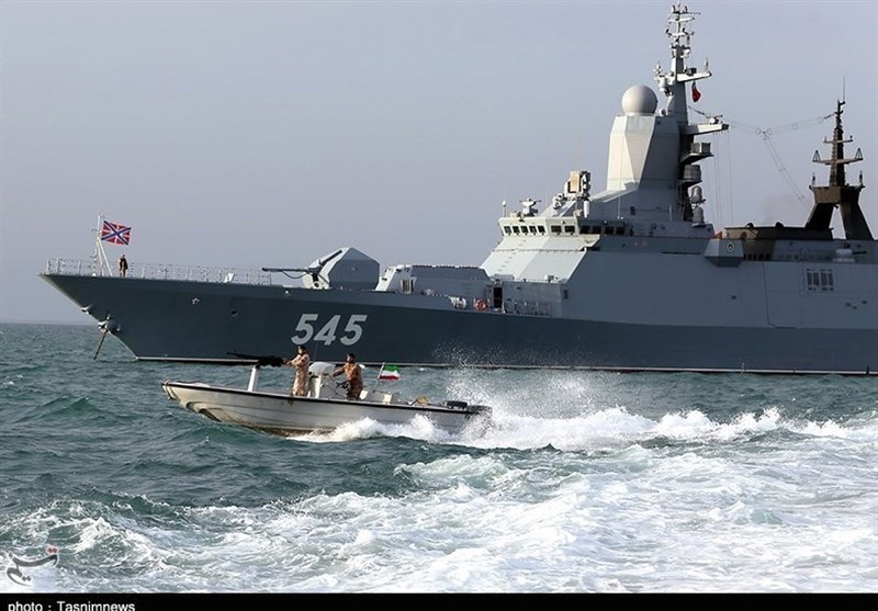 Iranian, Russian Forces Shoot at Aerial Targets in Joint Naval Drill