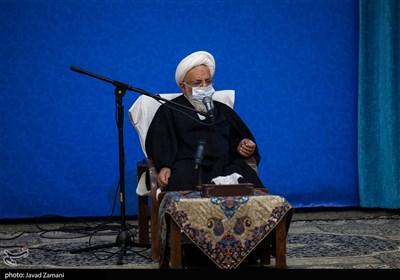 امام جمعه یزد: پیشرفت کشور را به بهانه مذاکره با آمریکا متوقف نکنیم