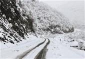 برف 90 درصد راههای روستایی بروجرد را مسدود کرد