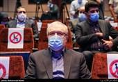 انتقاد وزیر بهداشت از کسانی که با سیاستزدگی غرور و افتخار ملی را زیرسئوال میبرند/ کشوری که تحریم نیست از ما کمک میخواهد+ فیلم