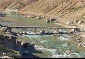 """پل روستای """"آبمورد"""" در استان کهگیلویه و بویراحمد را آب برد+تصاویر"""
