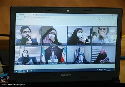 خبرنگاران به صورت مجازی نشست خبری سخنگوی دولت را پوشش میدهند