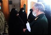 جانشین فرمانده کل سپاه با مادر شهیدان جنیدی در پیشوا دیدار کرد