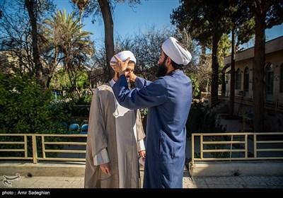 آیین عمامه گذاری جمعی از طلاب بمناسبت سالروز میلاد حضرت علی (ع)-شیراز