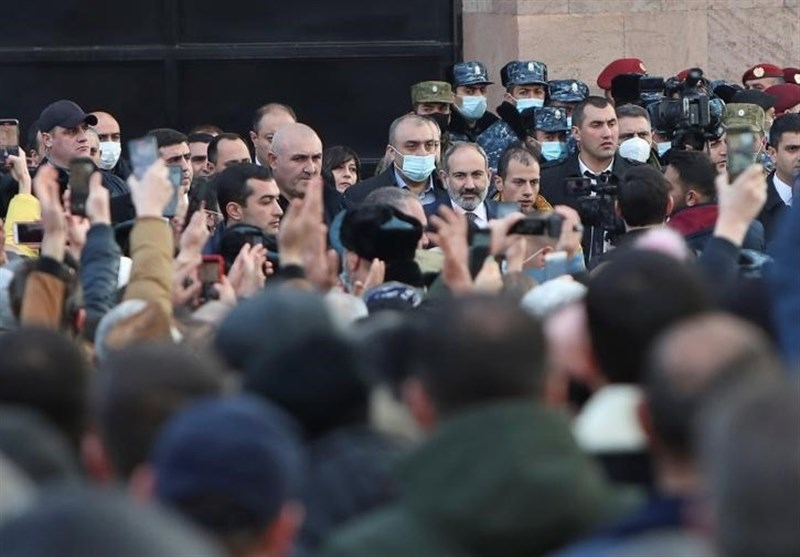 Thousands Rally as Armenia PM Slams 'Coup Attempt'