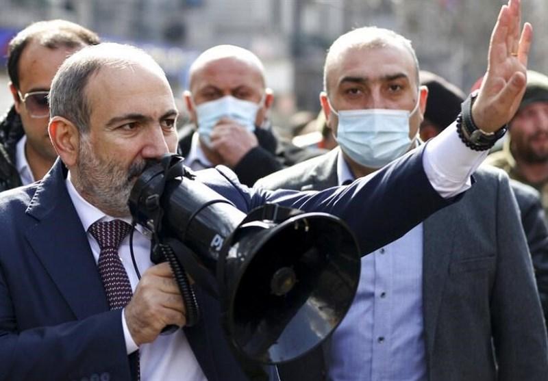 باشینیان یطلب مجددا من الرئیس الأرمنی إقالة رئیس هیئة الأرکان