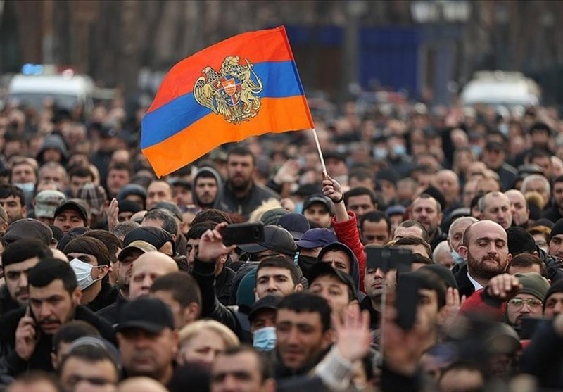 Armenia: Protesters Storm Gov't Building amid Political Crisis