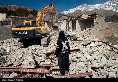 تازه اخبار از زلزله ۵.۳ ریشتری کردستان| خسارت ۳۰ تا ۶۰ درصدی زلزله به ۲۹۷ واحد مسکونی/ ۹ نفر مصدوم شدند