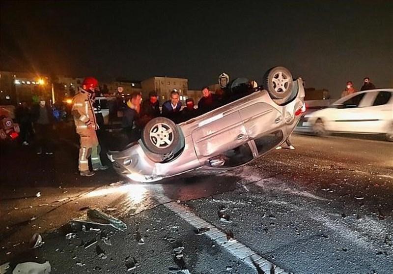 واژگونی پژو 206 پس از تصادف شدید با 2 خودرو + تصاویر