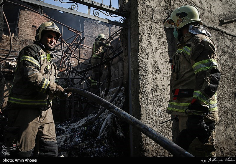 تشکیل پرونده قضایی در پی فوت 6 نفر در جریان آتشسوزی کارگاه مبلسازی پردیس