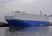 کشتی اسرائیلی پس از انفجار برای ارزیابی در دبی پهلو گرفت