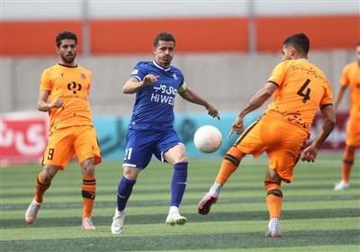 لیگ برتر فوتبال  شکست یک نیمهای استقلال مقابل مس رفسنجان