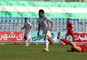 لیگ برتر فوتبال| پیروزی پیکان مقابل صنعت نفت در روز تساویها/ استارت خطیبی و تراکتور با توقف مقابل نفت 10 نفره