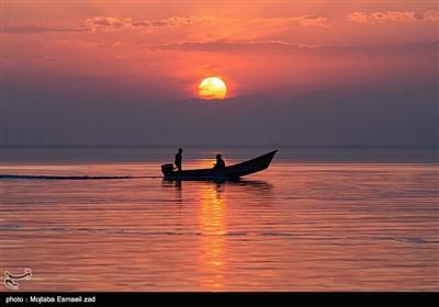14 رودخانه دائمی ، 7 رودخانه فصلی و 39 مسیل در سال های گذشته، روانه دریاچه ارومیه می شدند .