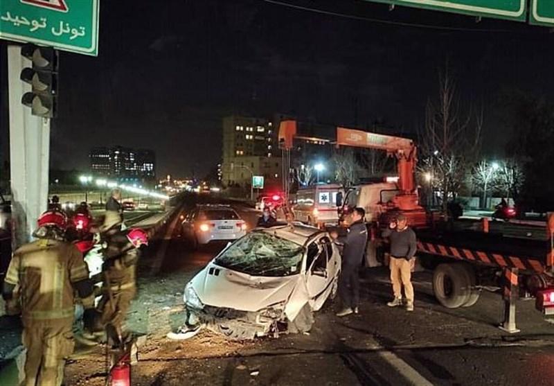 تصادف شدید و واژگونی پژو 206 در ورودی تونل توحید + تصاویر